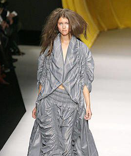 Issey-Miyake-collection-Spring-Summer-2008-13